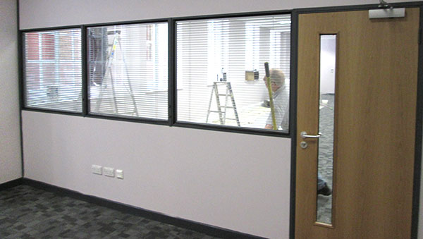 office-industrial-and-commercial-plastering